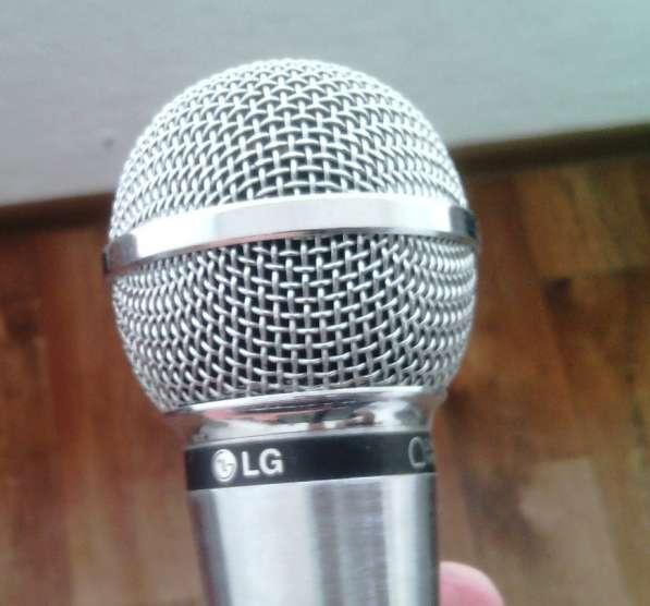 Микрофон вокальный LG ACC-M900K