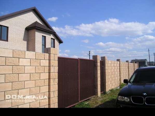 Продам двух этажный дом, 10 земли приватизирован