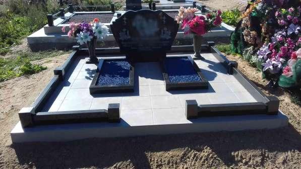 Благоустройство могил и установка памятника Солигорск в фото 4