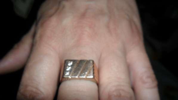 Золотая печатка в фото 3