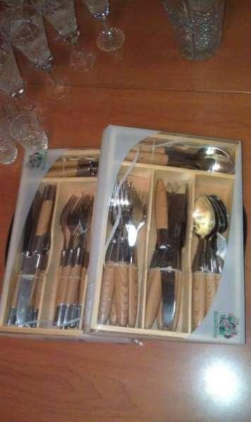 Стопки, стаканы, чашки, блюдца, столовые