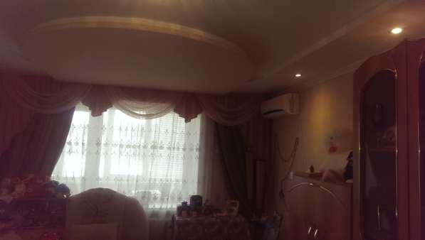 В Кропоткине в МКР-1 3-комнатная квартира 62 кв. м. 4/5