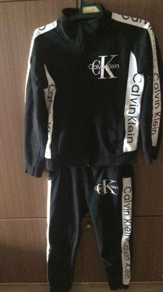 Продам спортивный костюм Calvin Klein