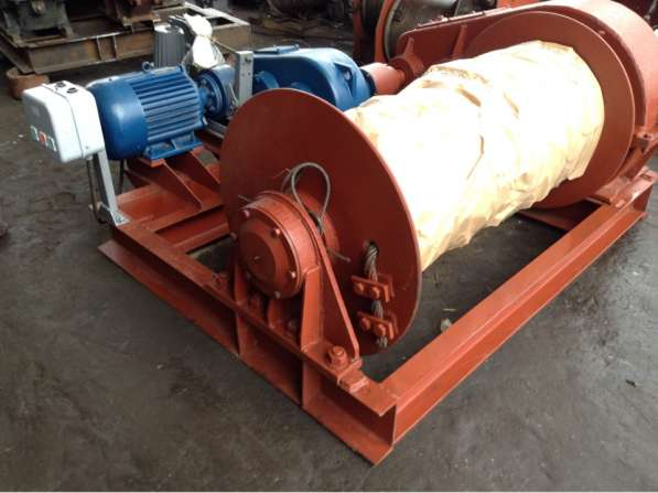 Лебедка маневровая электрическая ЛМ-8 с тросом