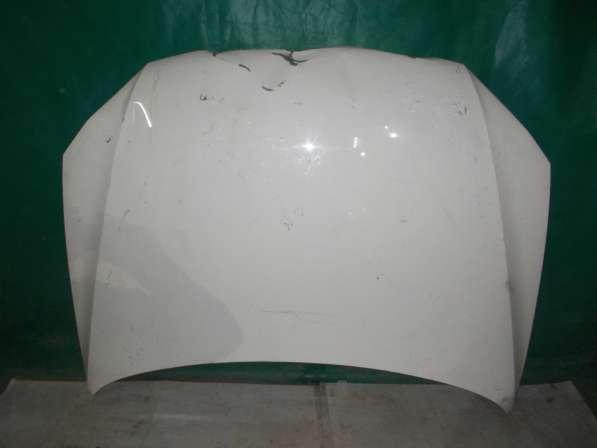 Капот на Volkswagen Touareg белый