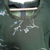 Продам элегантное платье из плотного шелка с вышивкой, для х, в Ижевске
