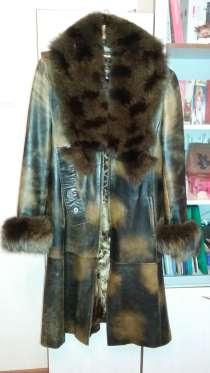 Пальто кожаное с меховым воротником, в Санкт-Петербурге