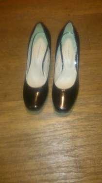 Туфли черные кожаные 38 размер, каблук 7 см, новые, в Москве