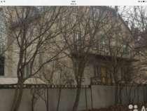 Продается трехэтажный дом из белого кирпича, в Ставрополе