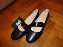 Продаю новые кожаные черные туфли р. 38,5-39, в Москве