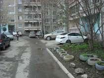 Трехкомнатная квартира в спальном районе Екатеринбурга, в Екатеринбурге