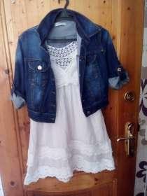 Укороченный джинсовый пиджак и сарафан в комплекте, в г.Детчино