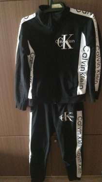 Продам спортивный костюм Calvin Klein, в Челябинске