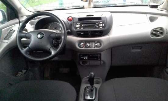 Nissan Tino