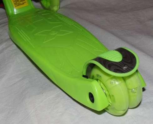 Предложение: Самокат четырёхколёсный Maxi новый 2st scooter