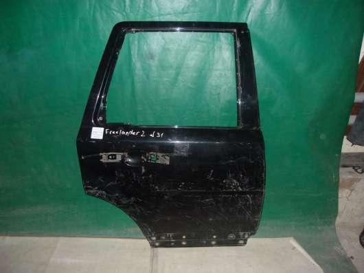 Черная б/у дверь на Land Rover Freelander2