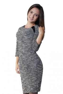 Весенее платье для деловых встреч с плотного трикотажа