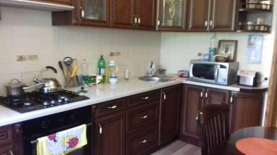 Продам 2 комнатную на Кесаева 5, ремонт 2 этаж в г. Севастополь Фото 1