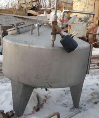 Емкости нержавеющие, объем — 0,7 куб.м., с рубашкой и мешалк в Москве Фото 3