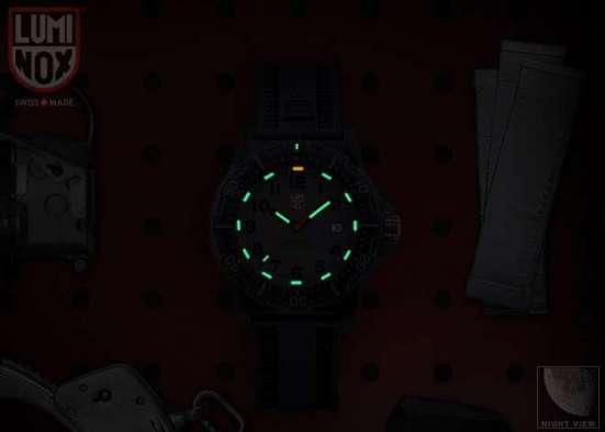 Luminox 8802