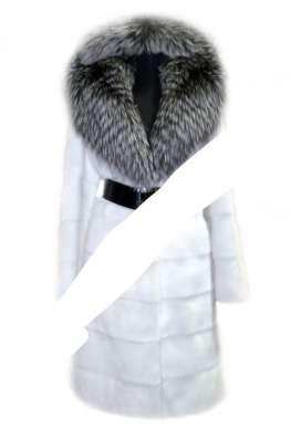 Роскошная шуба из меха белоснежной норки с чернобуркой