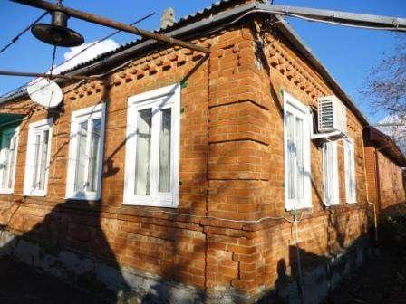 В Кропоткине по ул.Целинной дом 50 кв.м. из красного кирпича