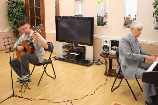 Даю уроки классической гитары