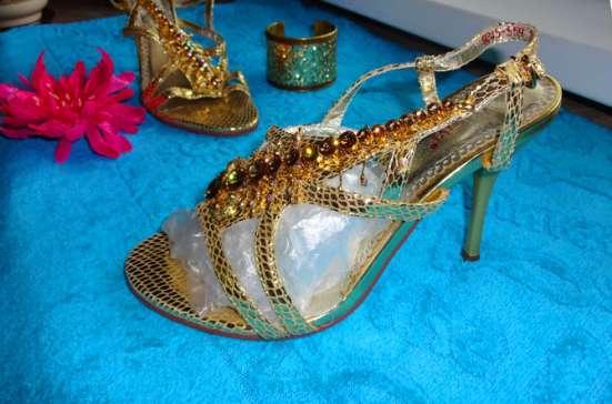 Обувь Золушки босоножки в стразах Сваровски