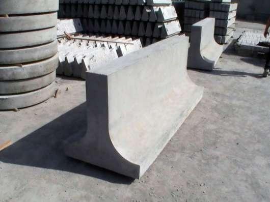 Блок парапетного дорожного ограждения