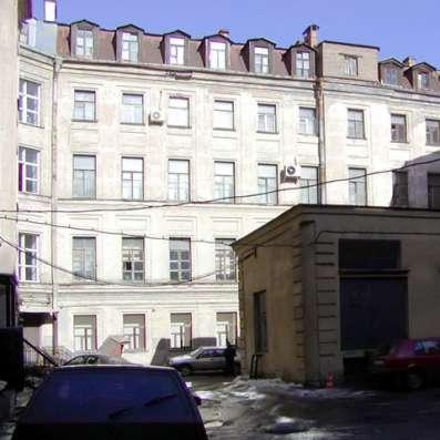 Комплекс из трех зданий в центре Санкт-Петербурга