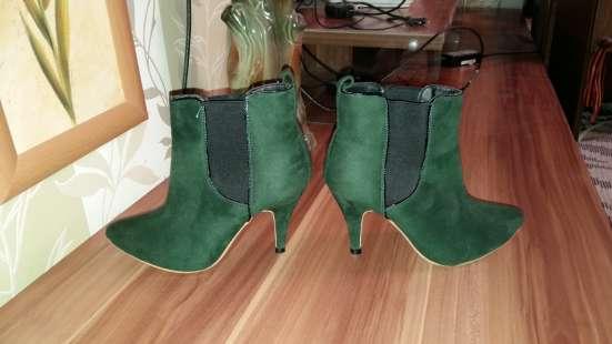 Ботильоны зеленые на небольшом каблуке