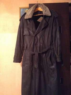 Мужской кожаный плащ пальто