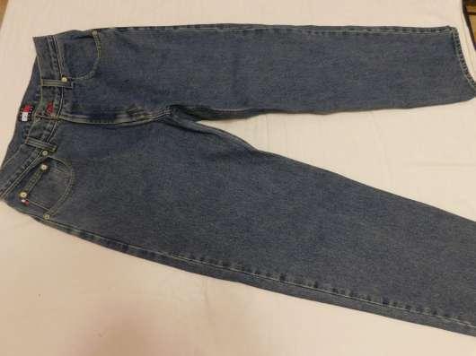 Продам личные вещи - джинсы новые