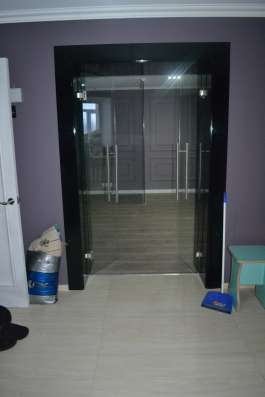 Стеклянные межкомнатные двери