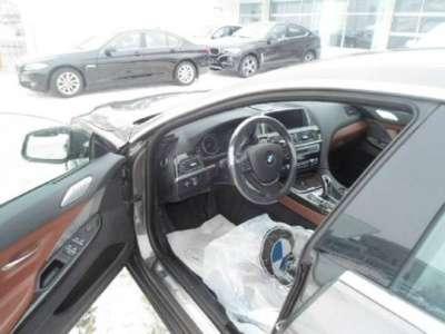 автомобиль BMW 640i