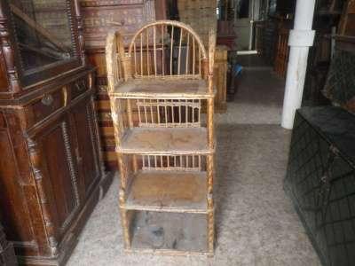 Старинная плетённая этажерка