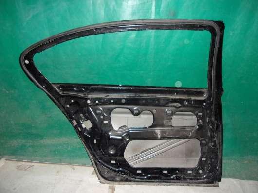 Левая задняя дверь на BMW 7-series F01 F02 long