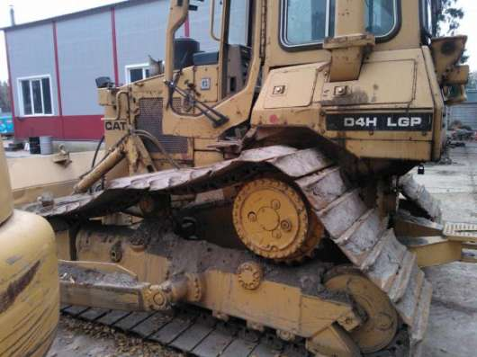 Бульдозер CATERPILLAR CAT D4H LGP БУ 1998