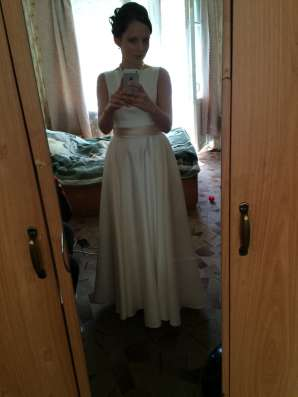 Продам платье)атласное, Айвори цвет