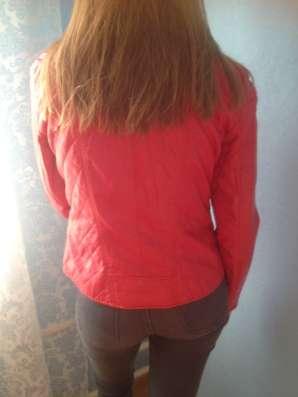 Куртка красная кожазаменитель в Москве Фото 1
