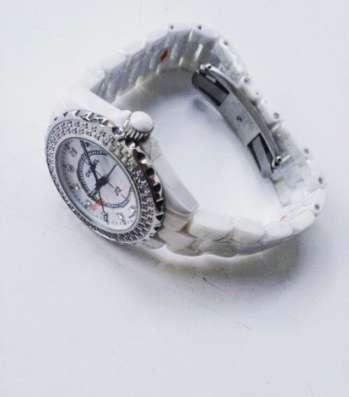 Женские керамические часы