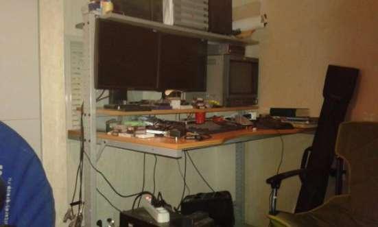 Компьютерный стол под монтажную станцию