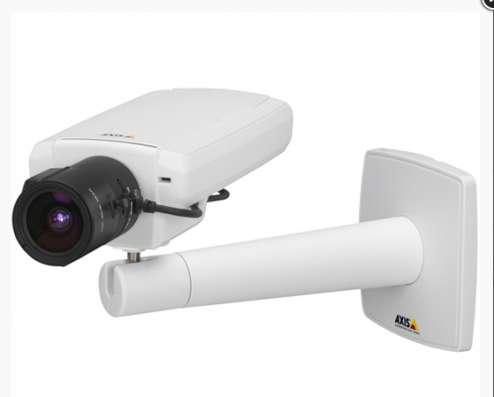 Наружная сетевая видеокамера Axis P1347, 2 шт