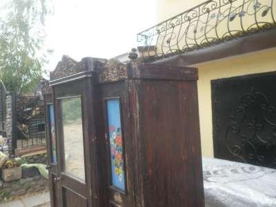 Старинный  платянной  шкаф