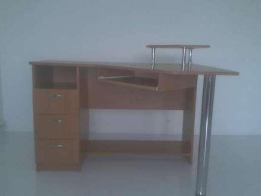 Продам компьютерный стол в г. Днепродзержинск Фото 2