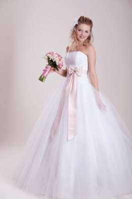 Свадебные платья оптом.