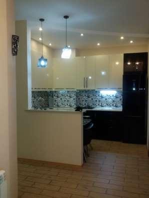 Сдается 3-х комнатная квартира в сентре города в г. Тбилиси Фото 1