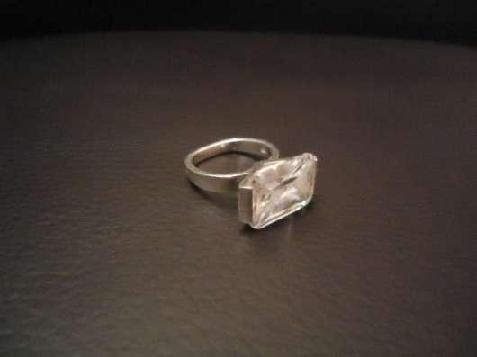 Кольцо с большим цирконом, серебро