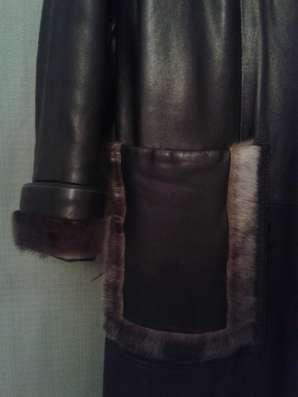 Кожаное чёрное классическое пальто с оторочкой из НЕРПЫ в Москве Фото 2