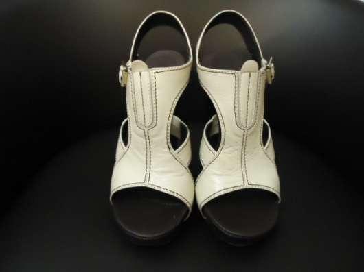 Туфли открытые молочного цвета, р.35